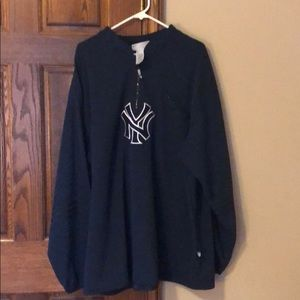 New York Yankees long sleeved pullover